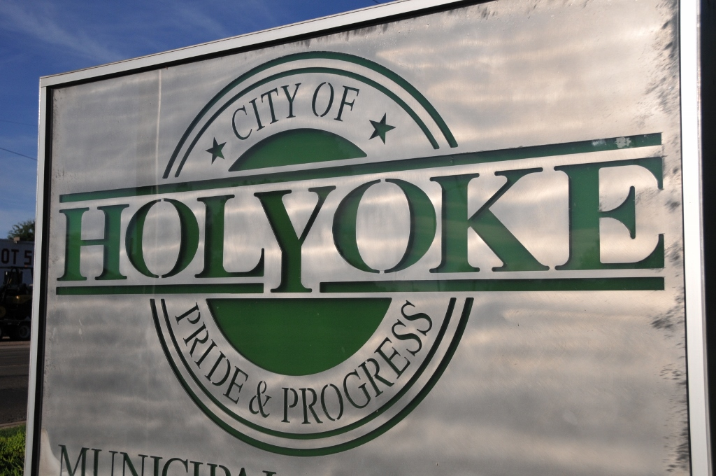 Holyoke sign